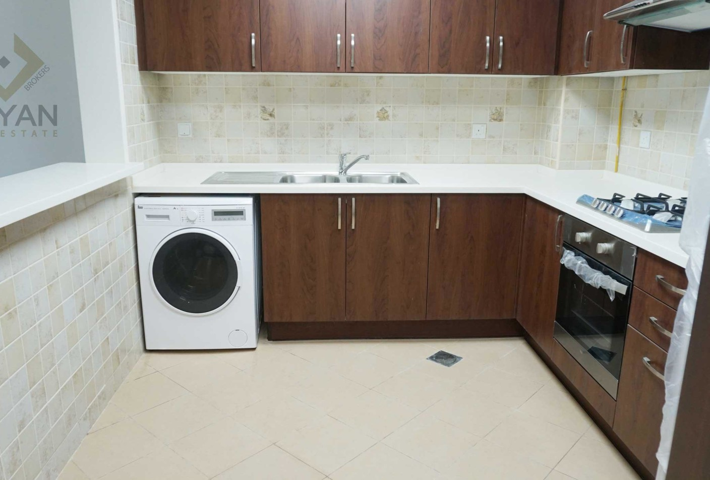2 Br 6 Cheques Brand New Building Layanlayan